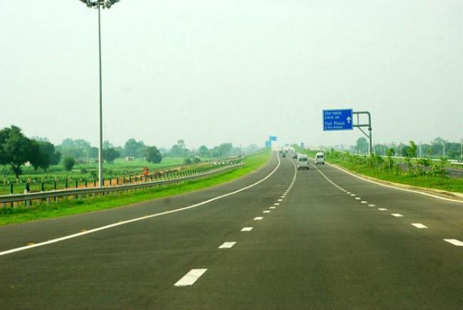Delhi to Agra via Mathura on Yamuna Expressway